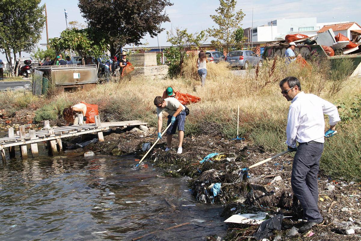 Καθαρισμός του Κελλάριου Όρμου (Ακτής Σοφούλη) και δενδροφύτευση